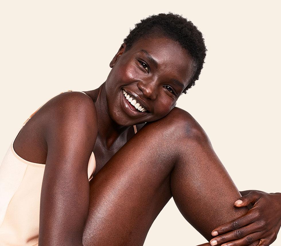 เพราะอาวีโน่ จึงยิ้มให้กับผิวสวยสุขภาพดีได้ทุกวัน